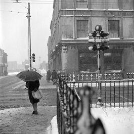 Nigel Henderson: Corner of Grove Road and Roman Road