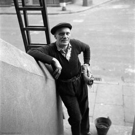 Nigel Henderson: Window cleaner, Bow E3