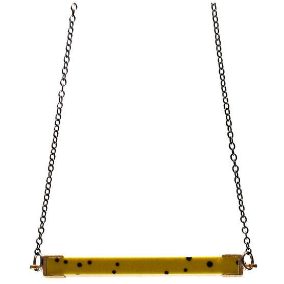 Alternating pattern necklace